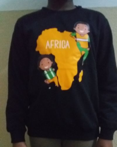 Kinders Sweatshirt Black With African map decoration at the front Size 4 yrs